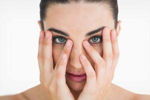 Da li postoji rešenje za tamne kolutove ispod očiju?