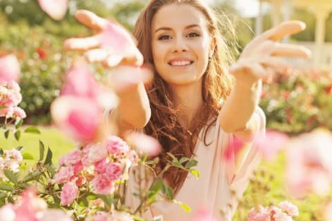 Kako da prilagodite svoju rutinu nege kože u toplijim mesecima?